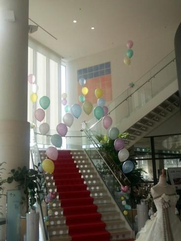 階段のバルーンデコレーション