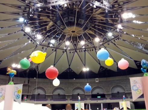 鹿児島アリーナ 大きい風船の飾り付け
