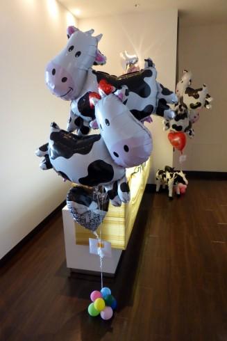 牛のバルーン