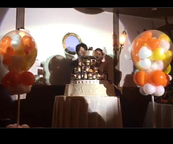ケーキ入刀でバルーンスパーーク!