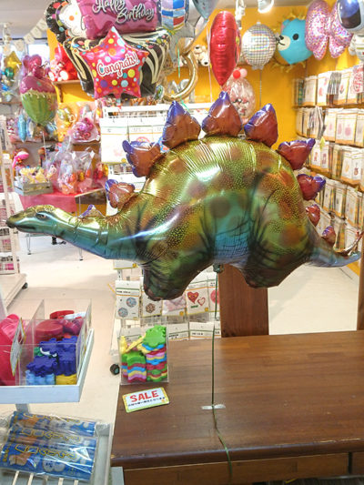 恐竜のバルーンが男の子に人気