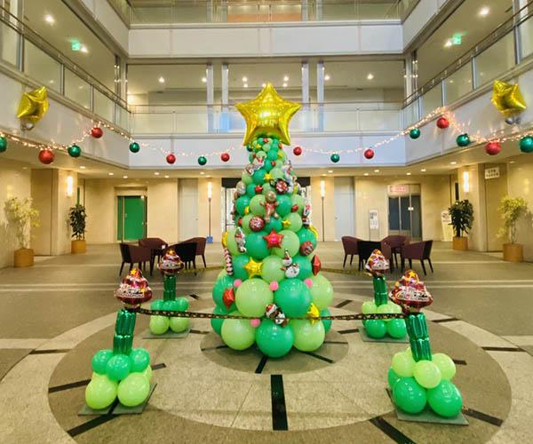バルーンクリスマスツリー